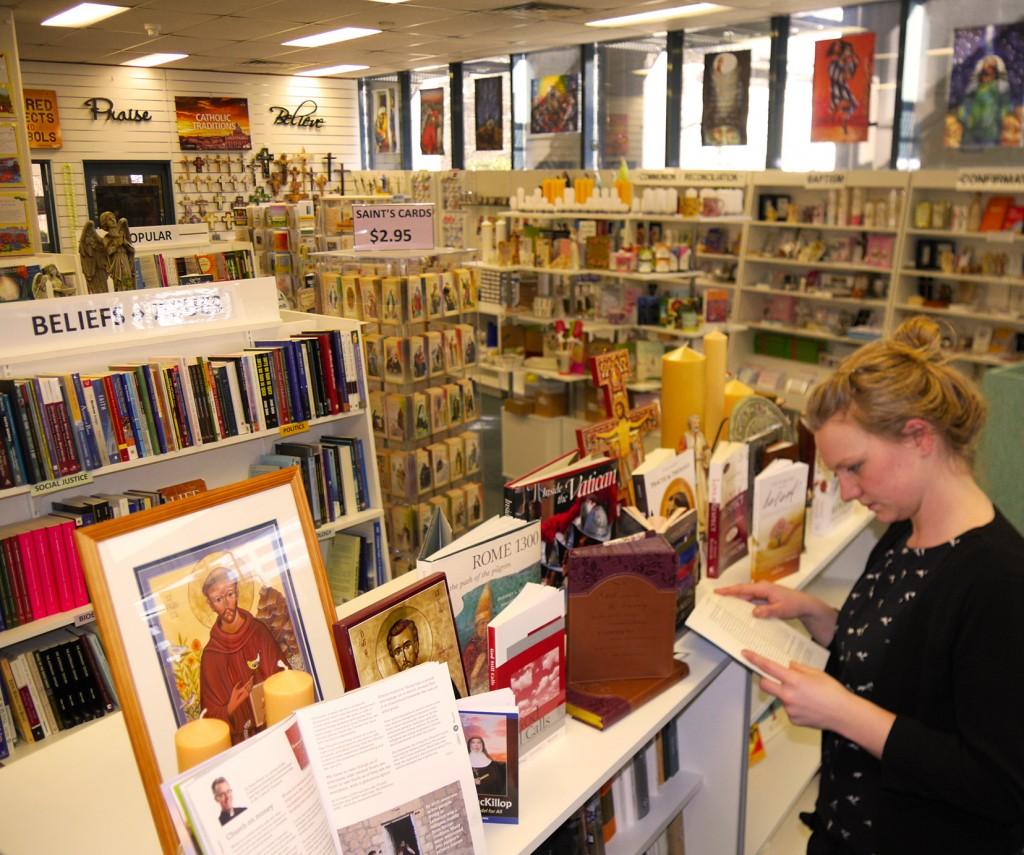 P1050803_bookshop